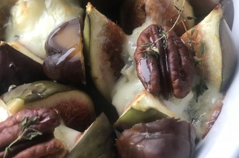 Baked Figs with Gorgonzola & Honey Sauce